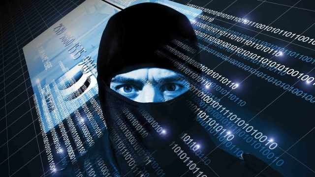 Cybercriminali: Aiutare i giovani Gamer Online a Difendersi