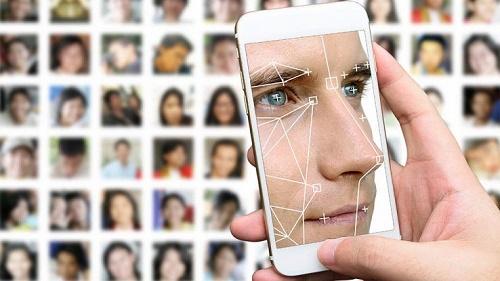 Riconoscimento facciale Android: come sbloccare schermo con viso